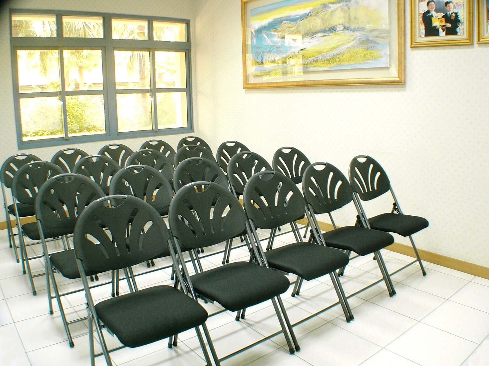 proimages/Product/Chair/Folding_Chair/SHOW_8101_view.jpg